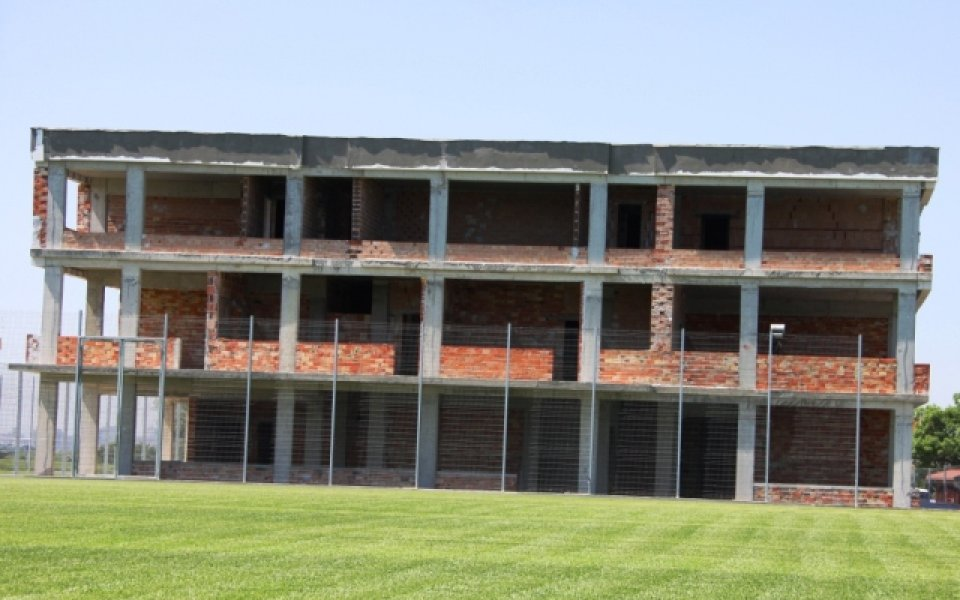 """Кампусът """"Гнездо на акули"""" е готов на груб строеж"""