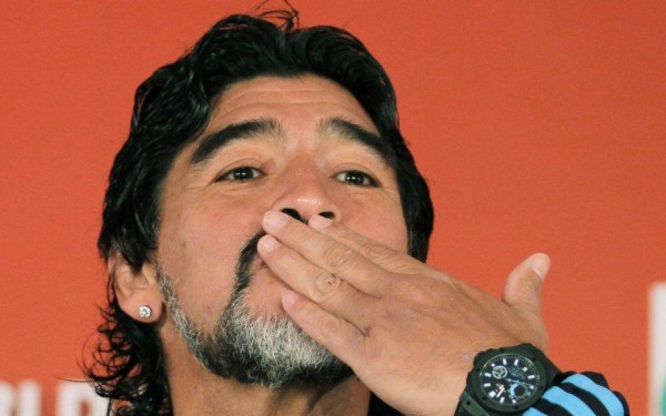Марадона: Самуел почти сигурно няма да играе с Мексико