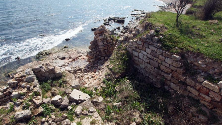 """""""Кария"""" – късноантична крепост потъва в морето"""