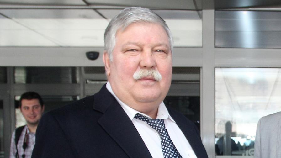 Депутат на ГЕРБ в скандал с източване на милиони от ВМА