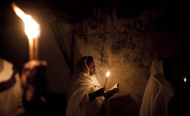 Чудото на Великден идва с Благодатния огън