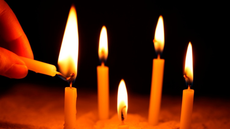 огън свещички свещ вяра