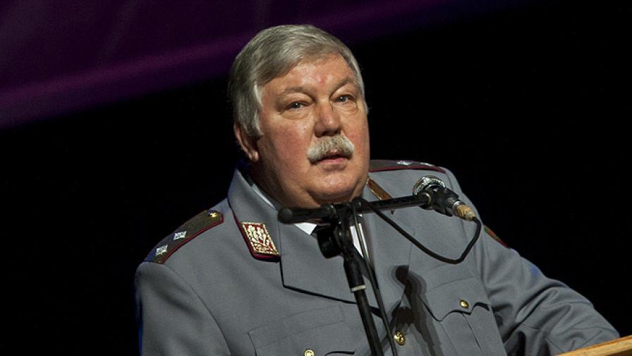 Проф. Стоян Тонев