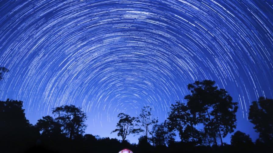 Пик на метеоритния поток Лириди в Деня на Земята
