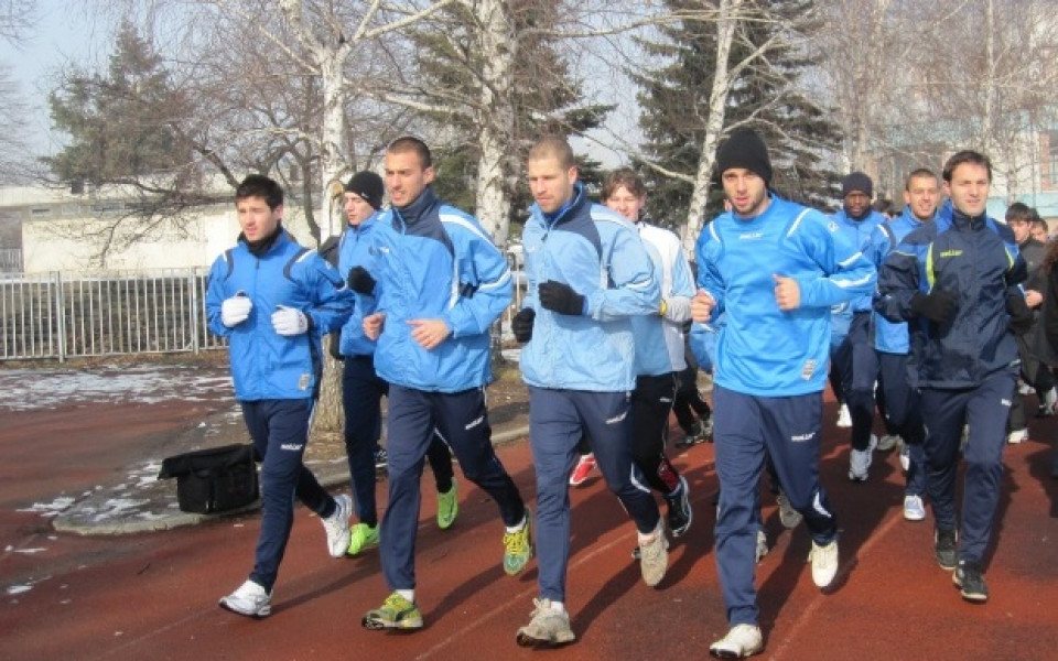 Без треньор и със само 7 играчи от миналата година почна подготовка Академик София