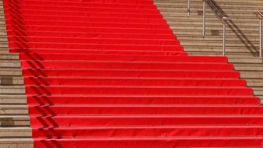 """Парад на суетата по червения килим и """"отвъд модата"""""""