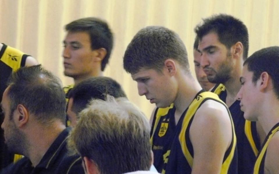 Везенков-младши: Чувствам се много променен, при мъжете е трудно, но ще се боря