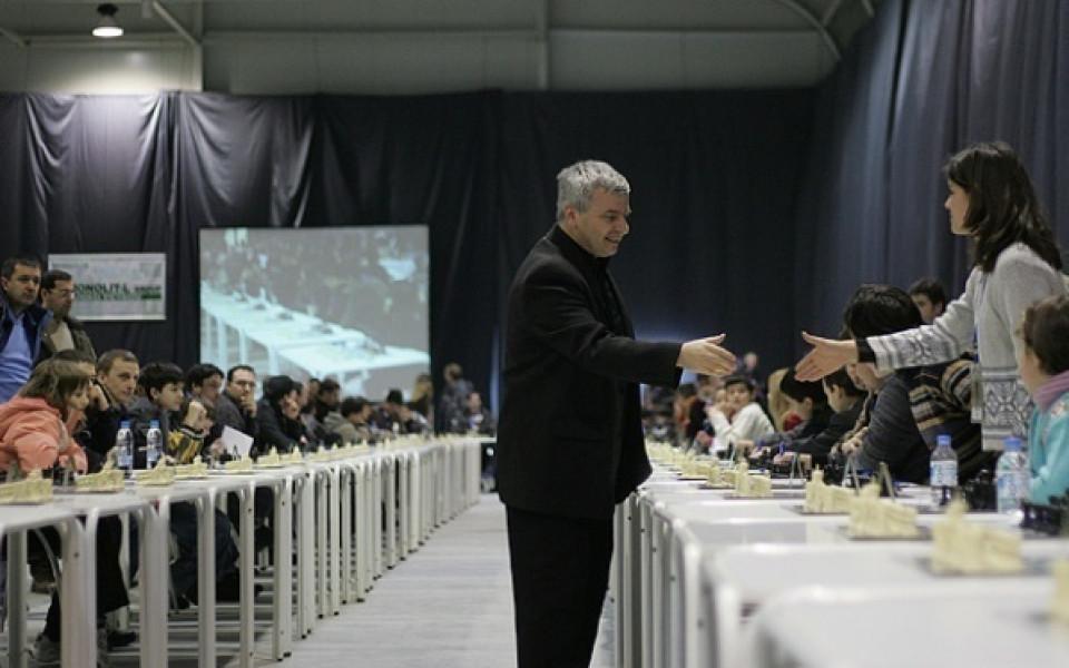 Кирил Георгиев води в класирането в Скопие