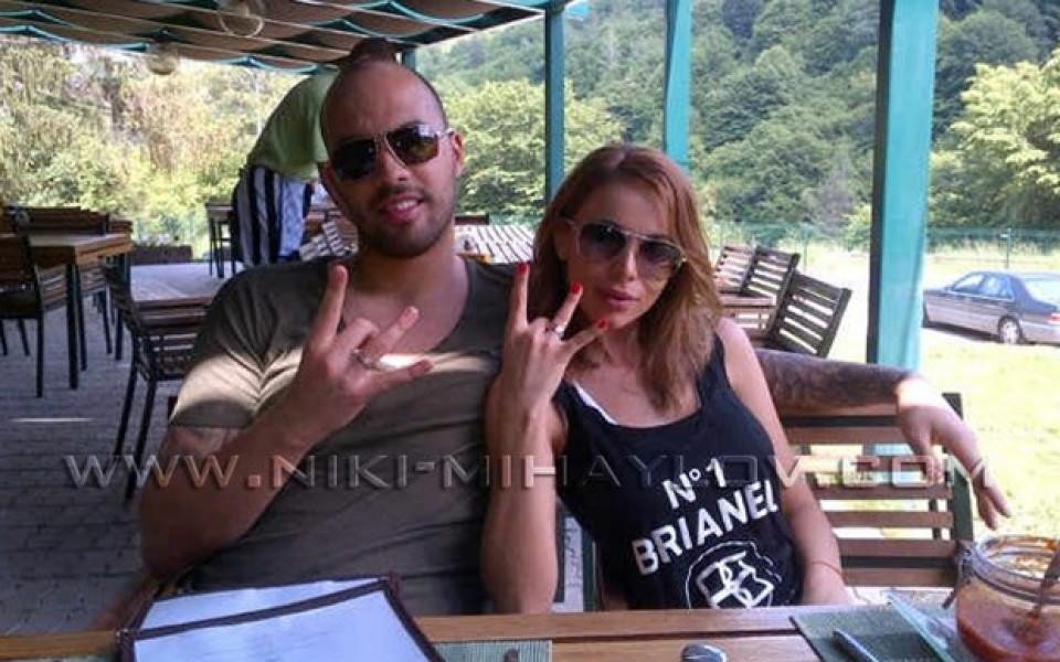 Ники Михайлов и Алисия с еднакви пръстени