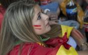 ВИДЕО: Украинка чака 8 часа, за да подари букет на Шави