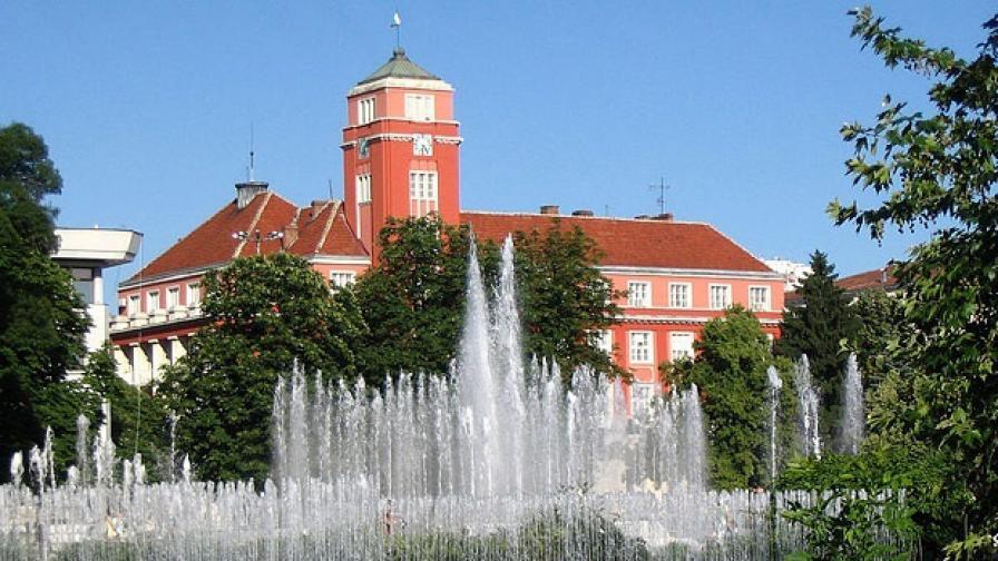 Сградата на общината в Плевен