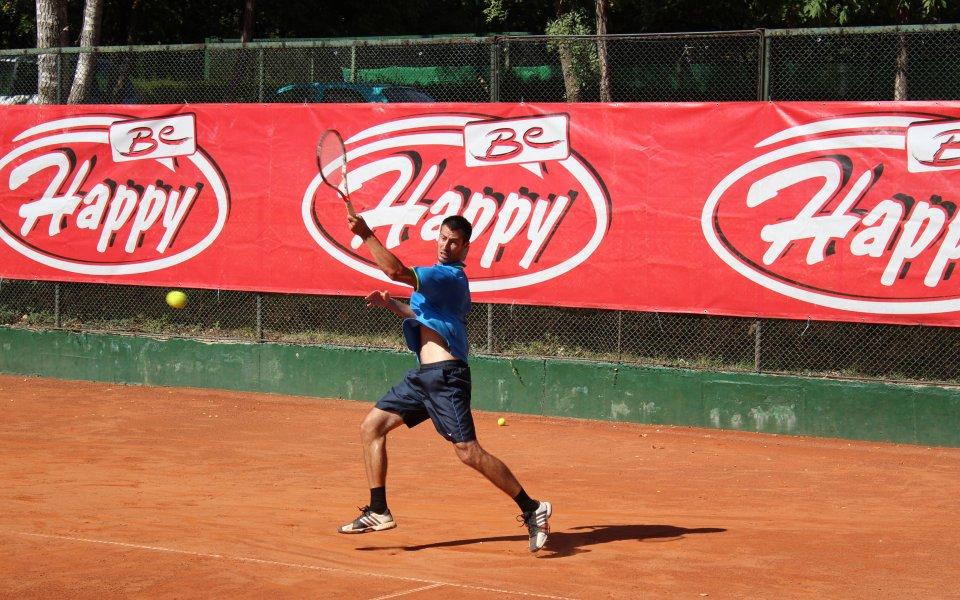 Динко Халачев стигна до втори кръг в Сърбия