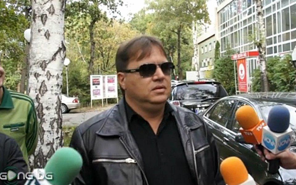 Известният футболен агент Николай Жейнов също използва своя Facebook-профил, за