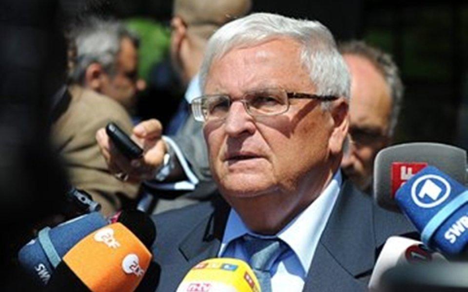 Бивши президенти на Германския футболен съюз отиват в съда