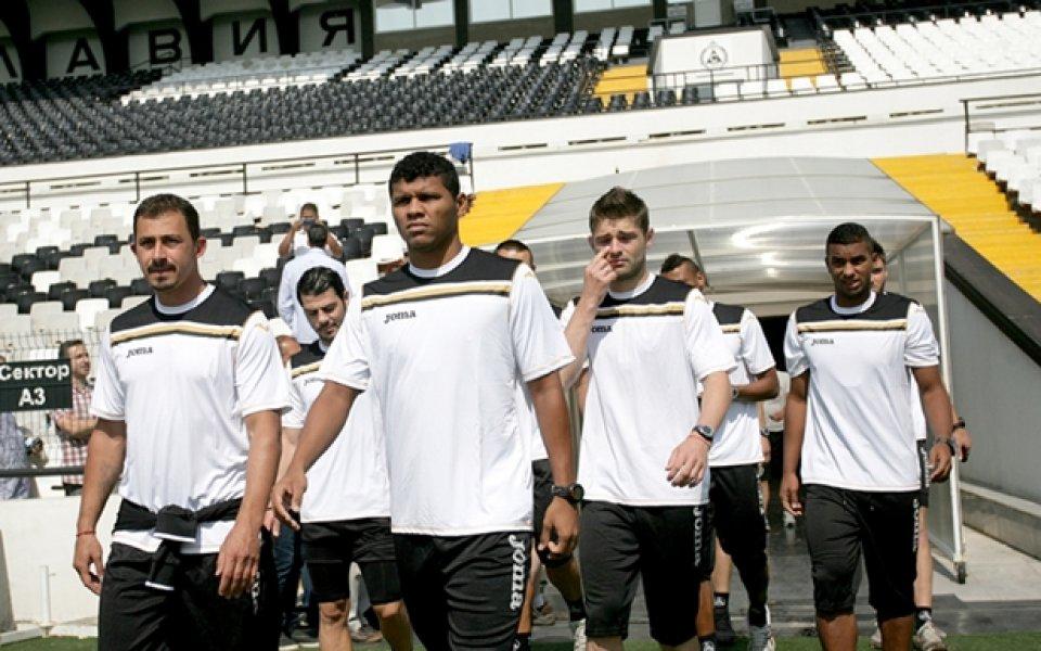 Славия започна с 21 футболисти, 14 напуснаха отбора