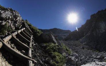Пазарджишки алпинист опита атака на връх в планината Памир