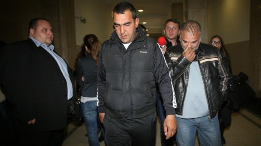 Софийски градски съд призна за виновни и осъди на по 20 години затвор Траян Георгиев, Трайко Филипов и Здравко Симеонов за убийството на 25-годишния Боби Райнов