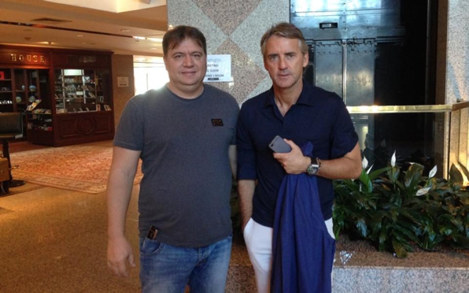 СНИМКА: Роден мениджър на среща с Роберто Манчини