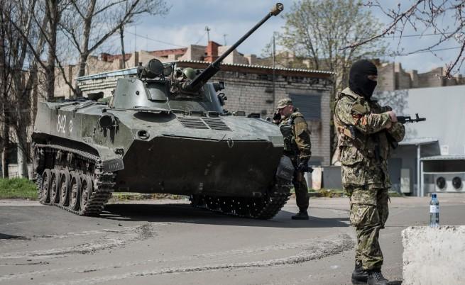 Проруски настроени въоръжени мъже в Славянск