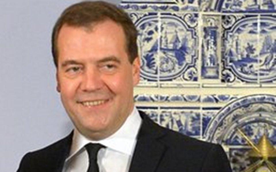 ВИДЕО: Медведев задрямал на откриването на Олимпиадата