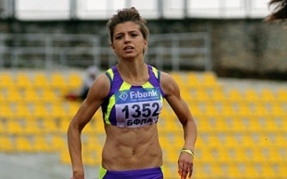 Лекоатлетката Никол Стамболийска спечели анкетата на Еврфутбол за Спортен талант на публиката