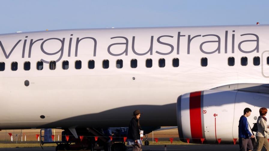 """Фалшива тревога: Пиян пътник опитал да """"отвлече"""" самолет"""