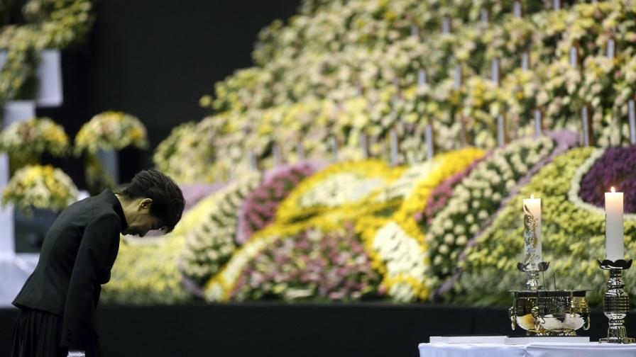 Броят на жертвите на южнокорейския ферибот надхвърли 190