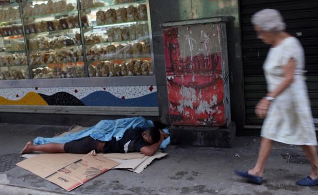 Стотици бездомници влязоха в сблъсъци с полицията в Сао Пауло