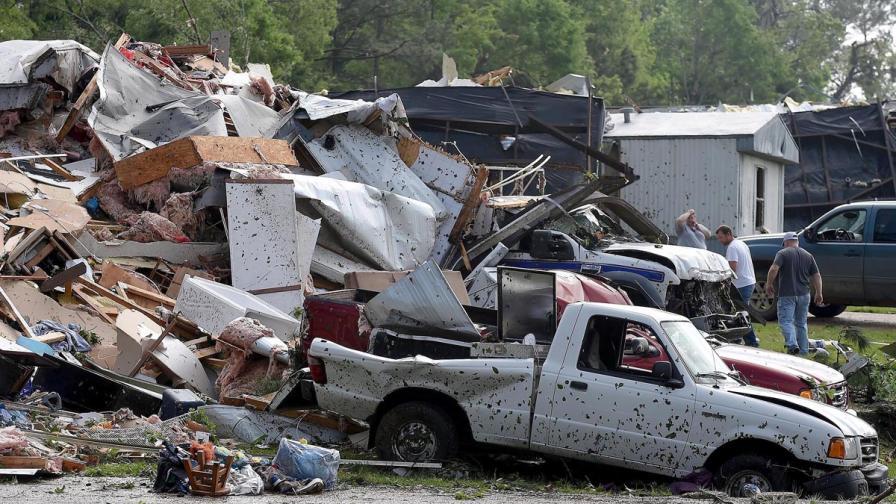 Най-малко 34 са вече жертвите на бурите в САЩ