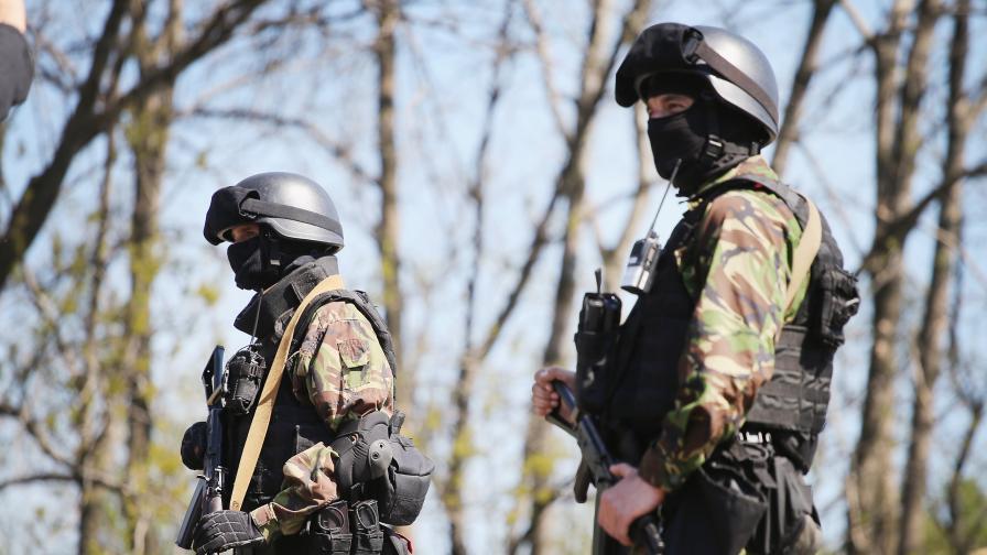 Украинската армия щурмува Славянск, има убити и ранени