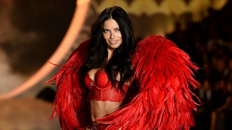 Как танцуват най-горещите ангели в света (видео)