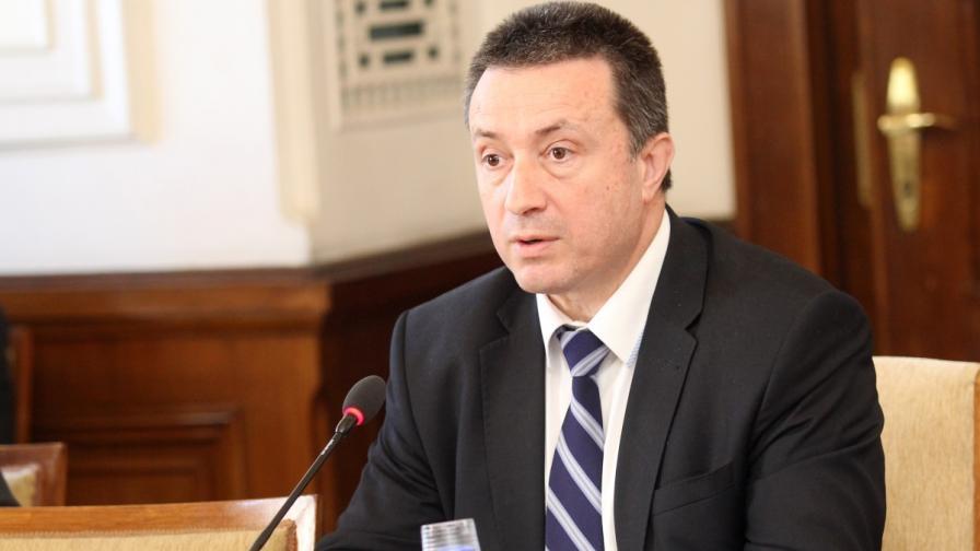 Янаки Стоилов: Има опит да се заметат следите около КТБ