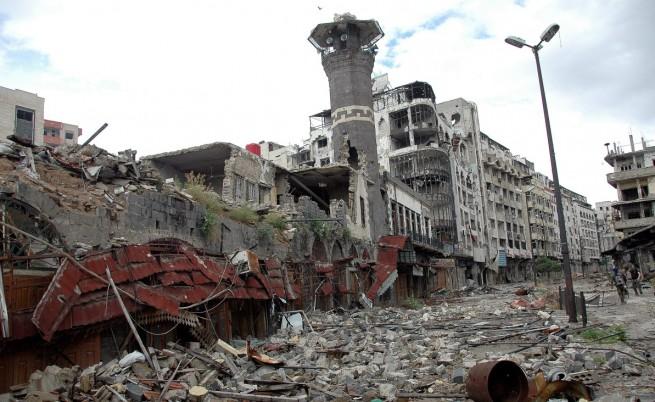 След годините на сражения Хомс е потънал в разруха
