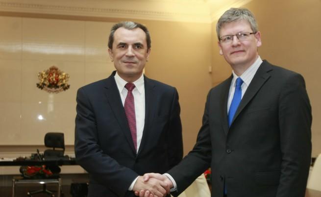 ЕС ни дава 900 млн. лв. за борба с безработицата
