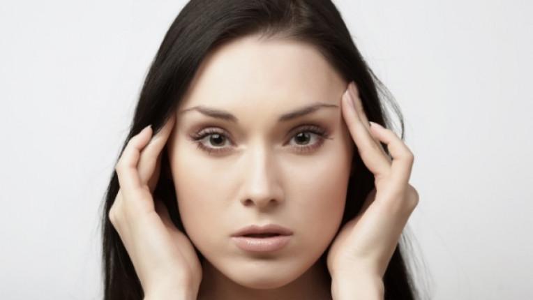 жена лице масаж сън събуждане размисъл