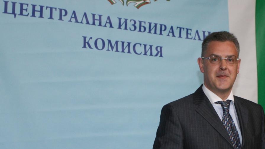 """Съдът: ЦИК е решила неправилно за билбордовете на """"Алфа"""" и """"Атака"""""""