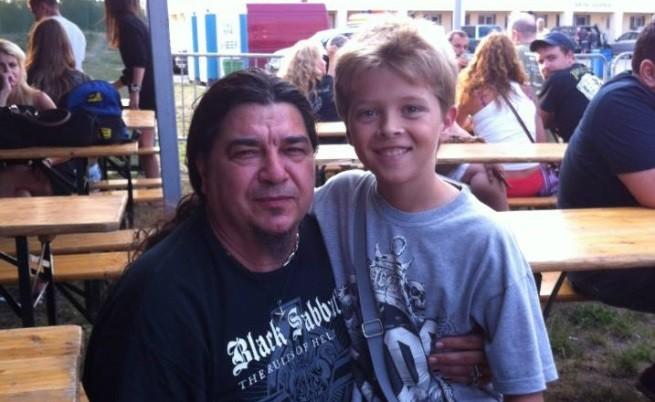Александър и вокалистът на Ахат Звезди