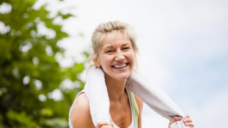 спорт жена усмивка