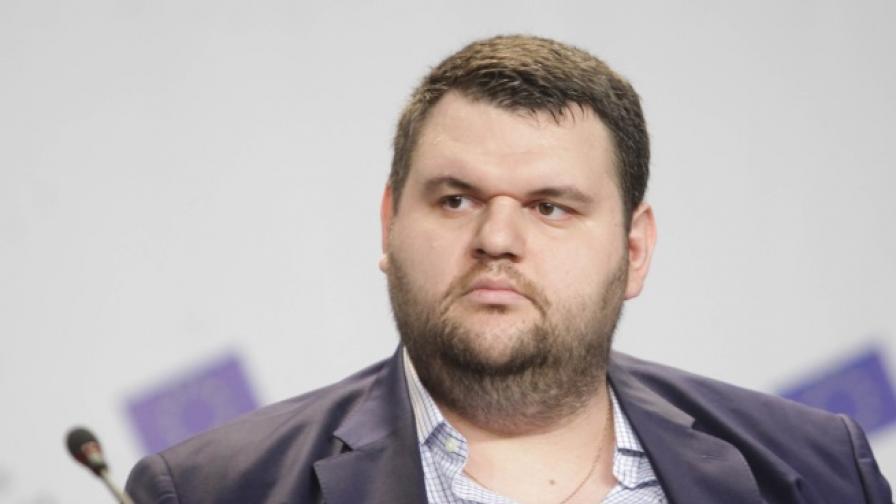 Делян Пеевски се отказва от евродепутатско място