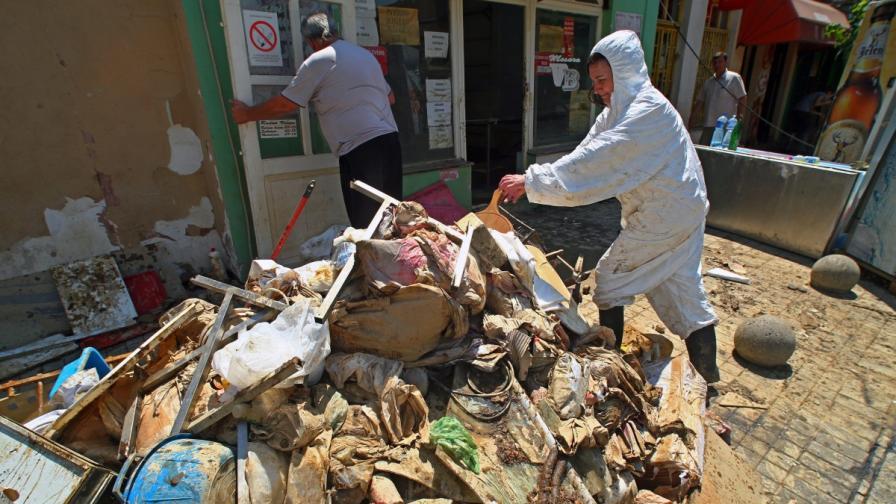 В Сърбия се борят да не избухнат епидемии