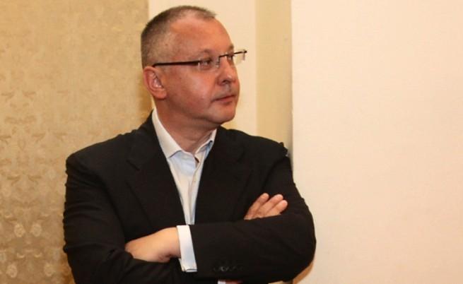 """""""Стандарт"""": Станишев искал да бъде премиер"""