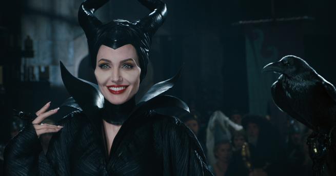 Само Анджелина Джоли може да накара злото да изглежда толкова