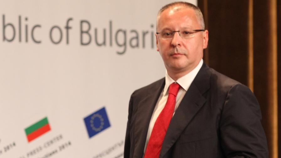 """Стандарт"": Искат Станишев за дипломат №1 на ЕС"