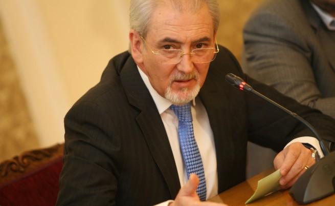 Местан: Кой ще се нареди до ксенофоба Москов