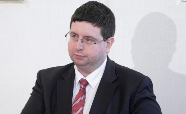 Чобанов категоричен: НЗОК няма да фалира