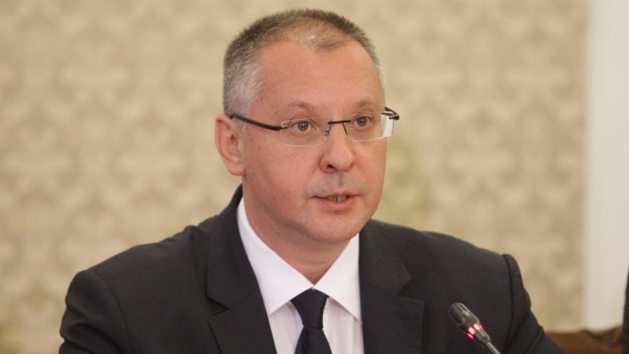 Съдът спря делото срещу Станишев, имал имунитет на евродепутат