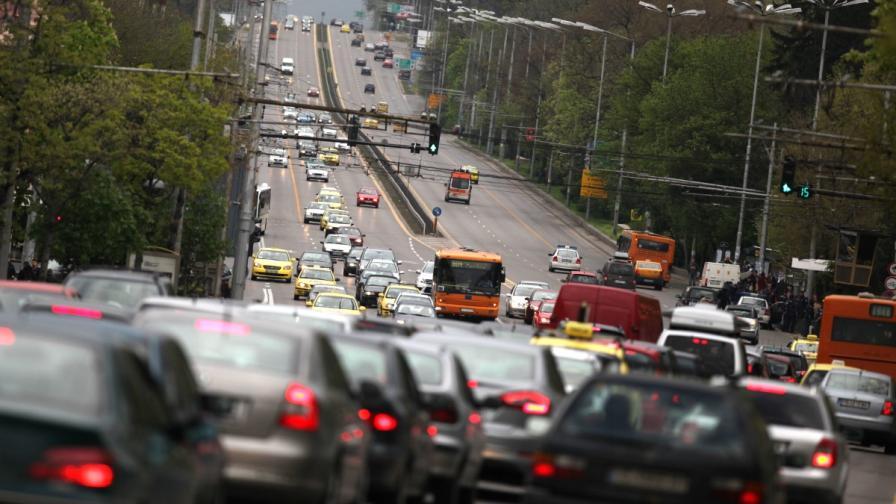 Натоварен е трафикът със старта на почивните дни