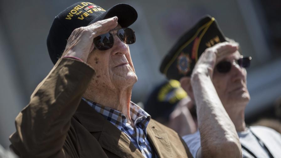 Ветеран избяга от старчески дом за честванията на десанта в Нормандия