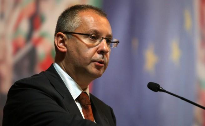 Станишев иска бърза оставка на МС и избори юли