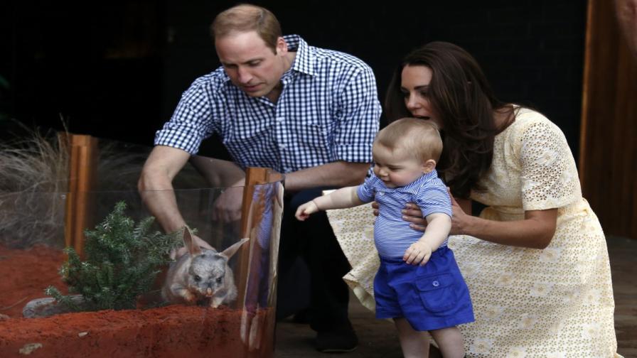 Принц Джордж направи първите си стъпки